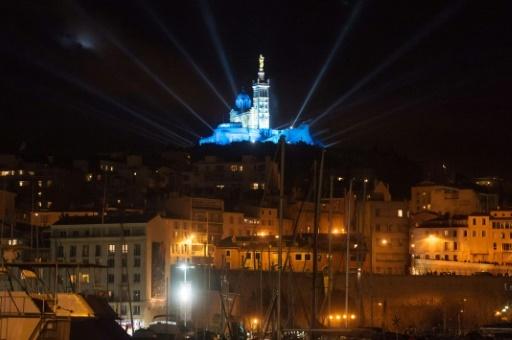 Notre-Dame de la Garde illuminée en janvier 2013 pour le lancement de Marseille-Provence 2013 capitale européenne de la culture © BERTRAND LANGLOIS AFP/Archives