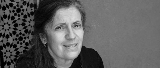 Milena Agus, même auréolée de succès, continue à enseigner l'italien à ses élèves de Cagliari.
