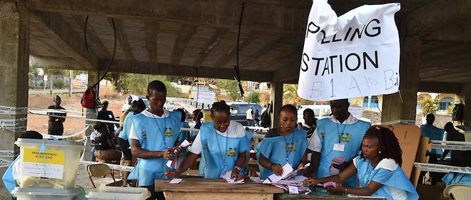 Une vue des superviseurs des dernières élections en Sierra Leone en 2018.