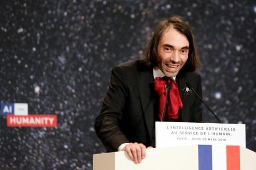 Le député mathématicien Cédric Villani (LREM), lors d'une intervention sur l'intelligence artificielle, le 29 mars 2018 à Paris © Etienne LAURENT POOL/AFP