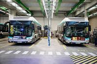Le bus autonome a besoin de moins d'espace pour stationner.  ©Thomas Padilla