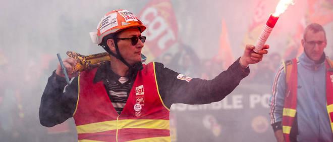 La SNCF à la merci des syndicats «durs»: un chant du signe?