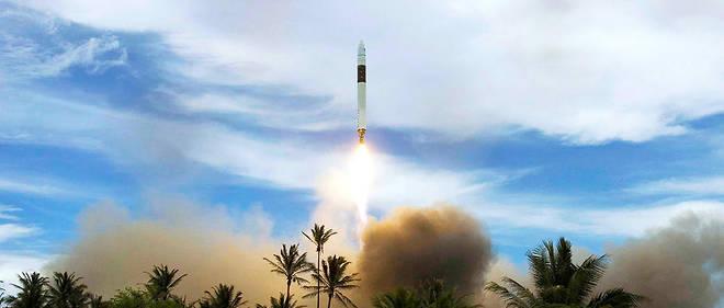 L'inscription Space X, du nom de l'entreprise américaine travaillant dans l'astronautique et le vol spatial, est parfaitement lisible sur la carlingue qui trône désormais dans la ferme de Quéménès.