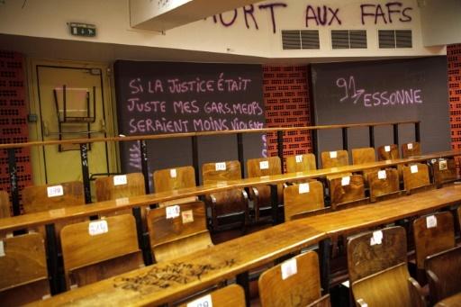 Photo d'un amphithéâtre du site de Tolbiac de l'université Panthéon-Sorbonne occupé par des étudiants le 11 avril 2018 © STR AFP/Archives