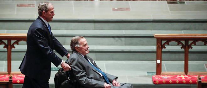 « Le président Bush a été admis à l'hôpital Houston Methodist hier matin  après avoir attrapé une infection qui s'est diffusée dans le sang. Il  répond aux traitements et semble se remettre », a indiqué son bureau  dans un communiqué.