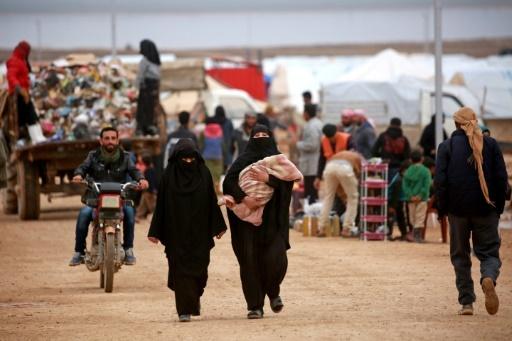 Des Syriens dans un camp à Hassake, dans le nord du pays, après avoir fui Deir Ezzor, le 26 février 2018 © Delil souleiman AFP/Archives