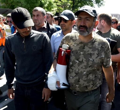 L'opposant Nikol Pachinian à Erevan lors d'une manifestation à Erevan le 25 avril 2018   © Vano Shlamov AFP