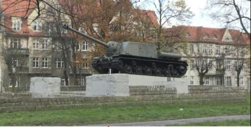 Image tirée d'une vidéo de l'AFPTV montrant un char T34 dans la ville de Malbork, en Pologne  © Maja Czarnecka AFP