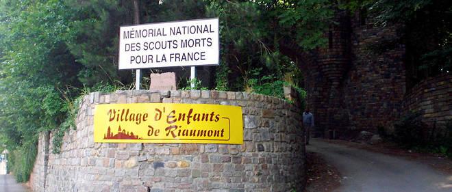 Photographie prise le 22 juin 2001 de la route d'accès du village d'enfants de Riaumont situé sur la commune de Liévin, dans le Pas-de-Calais (Photo d'illustration).