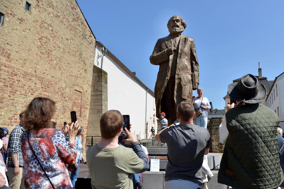 https://static.lpnt.fr/images/2018/05/05/14717728lpw-14755159-sommaire-statue-of-karl-marx-revealed-to-public-jpg_5218681.jpg