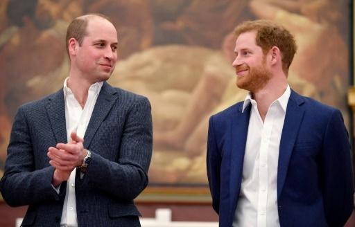Les princes William (g) et Harry, le 26 avril 2018 à Londres © Toby Melville POOL/AFP