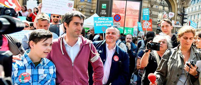 Selon un comptage réalisé par le cabinet Occurrence pour un collectif de médias, dont l'AFP, «la fête à Macron», manifestation organisée à l'appel de François Ruffin, a rassemblé 38900 manifestants à Paris.