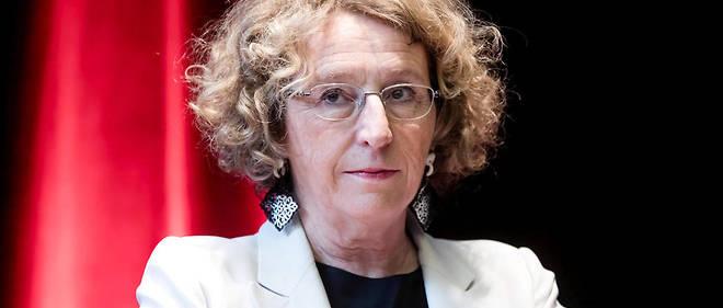La ministre du Travail est convoquée par les juges le 22 mai en qualité de témoin assisté dans l'affaire Business France.