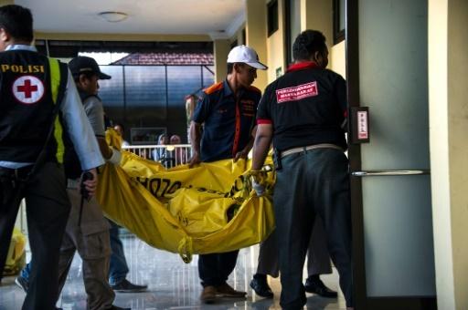 Une famille de six personnes a commis plusieurs attaques sur des églises le 13 mai en Indonésie, tuant au moins 13 personnes. © JUNI KRISWANTO AFP