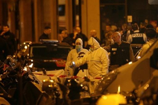La police scientifique inspecte la rue Monsigny après l'attaque au couteau, à Paris le 12 mai 2018 © Geoffroy VAN DER HASSELT AFP