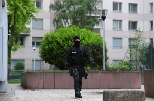 Opération policière à Strasbourg, le 13 mai 2018, dans l'entourage du responsable de l'attaque au couteau de samedi soir à Paris © PATRICK HERTZOG AFP