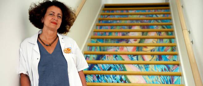 Chef de la maternité de l'hôpital de Saint-Denis, la gynécologue Ghada Hatem-Gantzer est aussi la fondatrice de la Maison des femmes.