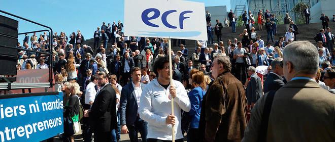 Des manifestants contre la loi Pacte, le jeudi 17 mai à Paris.
