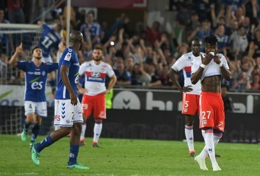 Les Lyonnais dépités à l'issue de leur défaite à Strasbourg, le 12 mai 2018, à La Meinau © PATRICK HERTZOG AFP/Archives