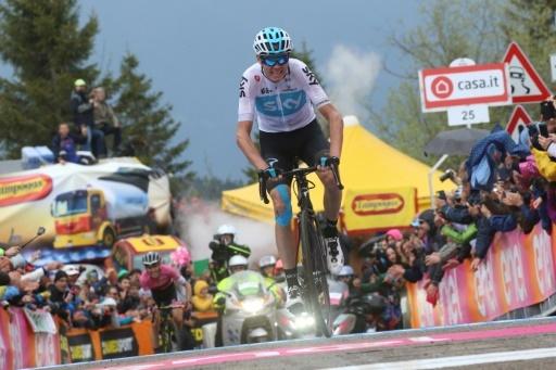 Le Britannique Chris Froome s'envole vers la victoire dans la 14e étape du Tour d'Italie, le 19 mai 2018 au Monte Zoncolan © Luk BENIES AFP