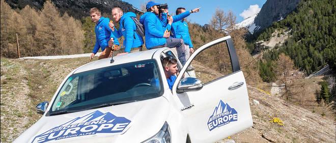 Les identitaires sur le col de Montgenèvre. Sur les réseaux sociaux, ils ont gagné le surnom de « crétins des Alpes ».
