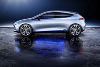 Présentée en 2017 au salon de Francfort, la Mercedes EQA Concept préfigure une berline compacte électrique qui sera assemblée dans l'usine de Hambach en Moselle. Ce sera la première Mercedes fabriquée en France.  ©Daimler AG - Global Communications Mercedes-Benz Cars
