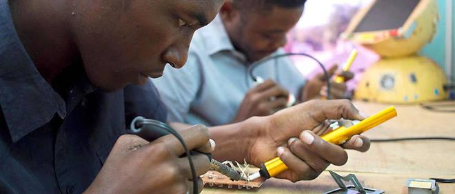 Les fab lab en Afrique subsaharienne sont avant tout des espaces collaboratifs, à visée éducationnelle.