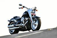Près de trente ans après la première Fat Boy, Harley Davidson réivente l'un de ses modèles mythiques.