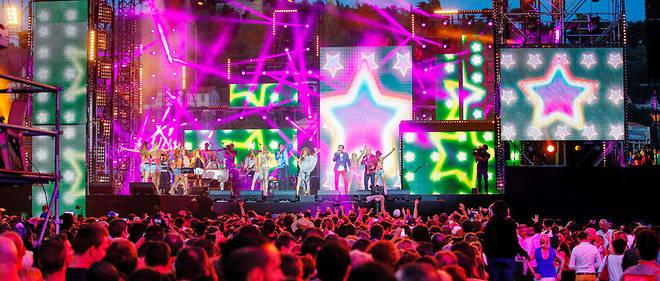 Le 21 juin 2015, pour la première édition de la Fête de la musique à Nice, La Compagnie créole enflamme le quai des États-Unis.