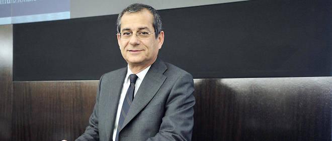 Giovanni Tria, professeur d'économie à l'université, a été nommé ministre de l'Économie, permettant ainsi à l'Italie de sortir de la crise politique.
