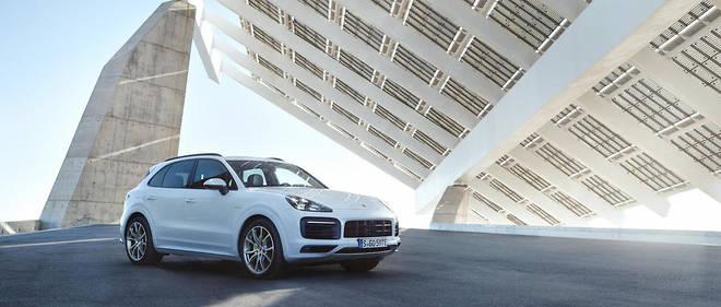 Spectaculaire. Le Porsche Cayenne E-Hybrid permet d'économiser plus de 27000 € sur trois ans par rapport au Cayenne S.