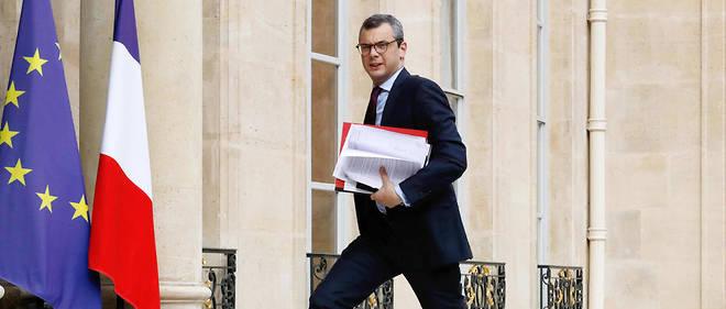 """Le secrétaire général de l'Élysée, Alexis Kohler, est visé par une plainte pour """"prise illégale d'intérêts"""", """"trafic d'influence"""" et """"corruption passive"""" déposée vendredi au Parquet national financier par l'association Anticor."""