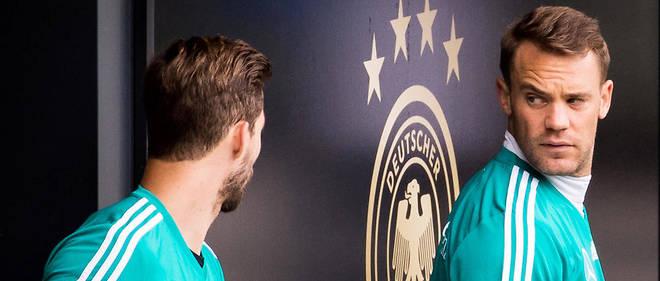 Kevin Trapp (à gauche) sera le troisième gardien allemand, tandis que Manuel Neuer sera titulaire et capitaine de l'équipe.