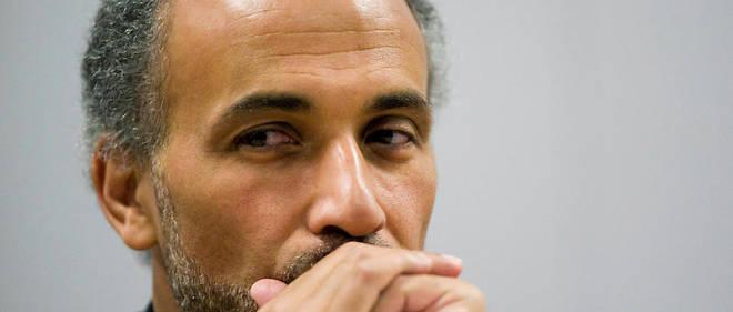 L'intellectuel musulman Tariq Ramadan est arrivé mardi matin au tribunal de Paris pour son premier interrogatoire depuis son incarcération pour viols en février.