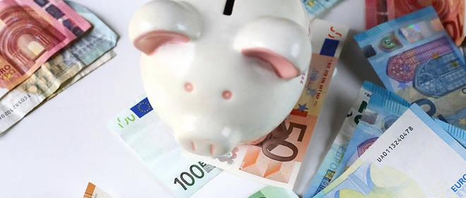 En 2015, la France comptait 14,2 % de personnes en situation de pauvreté, un des taux parmi les plus faibles d'Europe. Cela représente 8,9 millions de personnes.