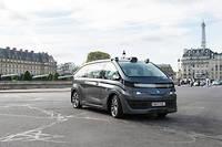 Le Navya a déjà roulé dans Paris, mais l'ouverture de l'expérimentation des voitures robotisées en France en 2019 permet d'élargir les tests, à Lyon, mais aussi à Perth (Australie) et aux États-Unis.