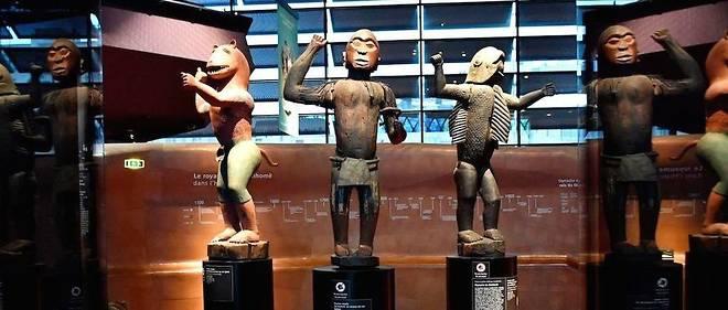 Trois statues rapportées d'Afrique par le général français Alfred Dodds après la conquête du Dahomey en 1892 sont réclamées par les autorités béninoises, qui estiment qu'entre 4500 et 6000 œuvres sont aujourd'hui en France.