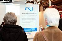 Le stand de l'association Exit, qui aide les gens à mourir, à la Foire de Bâle, en 2013.