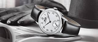 Bien ancré dans l'air du temps, Tissot présente un garde-temps rétro qui valorise son patrimoine et suggère l'idée d'un savoir-faire séculaire.