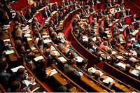 L'Assemblée examinera lors de sa session extraordinaire la loi