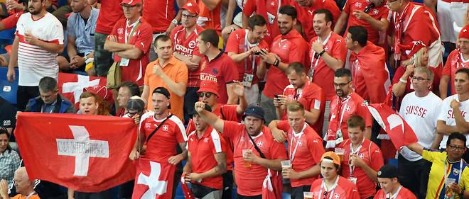 Lors du match Brésil-Suisse, ce dimanche à Rostov. Une poignée de supporteurs, qui a fait le trajet en voiture, s'est retrouvée à proximité de la ligne de front dans le Donbass, en Ukraine.
