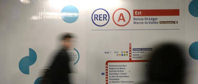 La rame de RER a été évacuée.