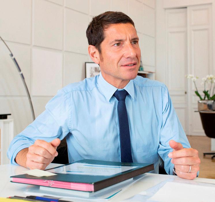 David Lisnard, maire (LR) de Cannes, président de la communauté d'agglomération, vice-président de l'Association des maires de France (AMF).