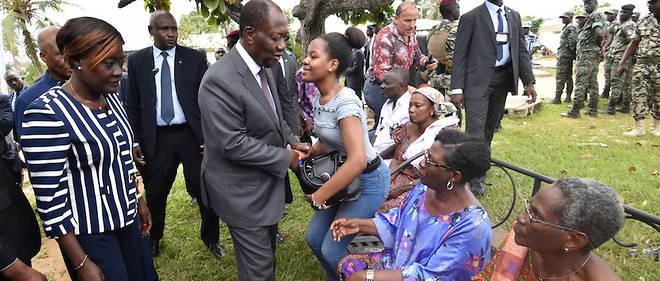 Le président Ouattara à la rencontre de victimes des inondations le 21 juin 2018.