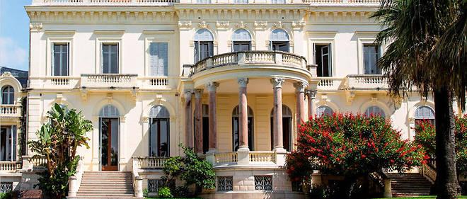La médiathèque Noailles, ancienne Villa Rothschild.