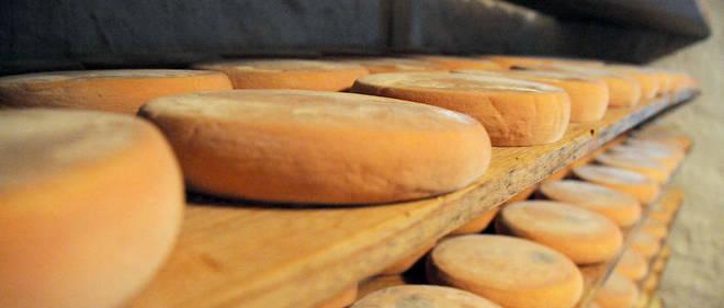 En mai et juin, Chabert avait procédé au rappel de tous les fromages pouvant avoir été contaminés par l'Escherichia coli, d'abord en France puis en Allemagne et Espagne.