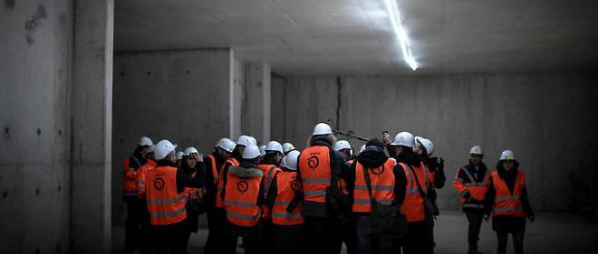 Le 20 mars dernier, des élus franciliens se pressaient sur le chantier du futur terminus de la ligne 4 du métro à Bagneux.