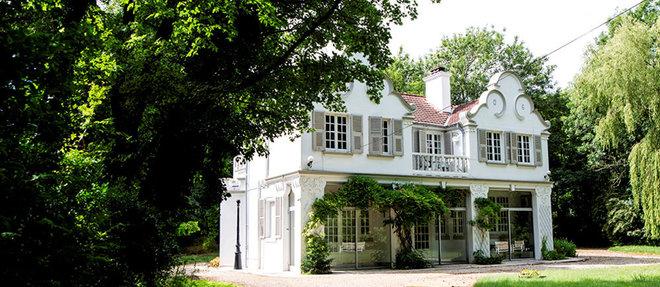 Coco Chanel séjourna dans la villa Mad Cap, avenue de l'Hippodrome. Bâtie en 1906pour le duc de Westminster, la demeure vient d'être vendue près de 1million d'euros.   ©Romain GAILLARD/REA