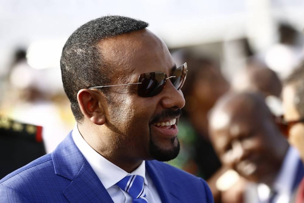 Au-delà du rapprochement symbolique de l'Érythrée ou du Soudan du Sud, le Premier ministre Abiy Ahmed veut pacifier la corne de l'Afrique afin d'attirer encore plus d'investisseurs dans son pays.  ©  ASHRAF SHAZLY / AFP