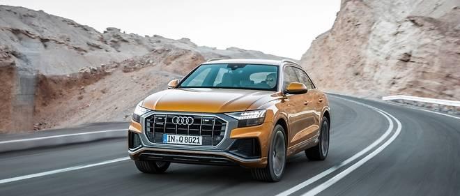 Ici avec un cerclage contrasté de la calandre octogonale, l'Audi Q8 prend une nouvelle physionomie.